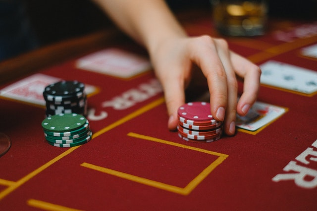 How can I play real money slots online?