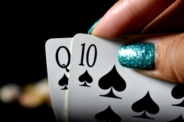 Various types of bonuses are available at online Casino! Here is list of bonuses written below