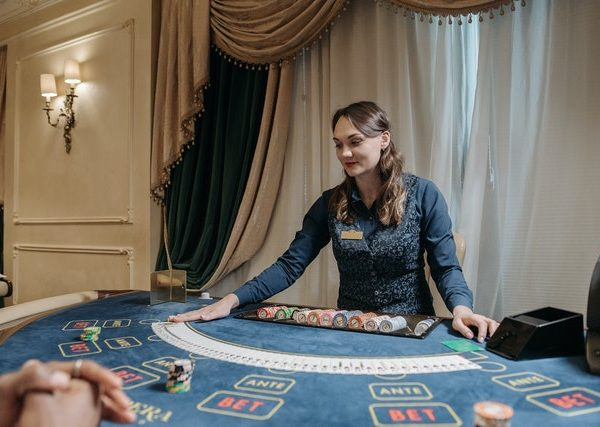 How to Invest in a Virtual Casino – Know What to Look For